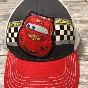 Boys Disney cars snap back hat 🔴